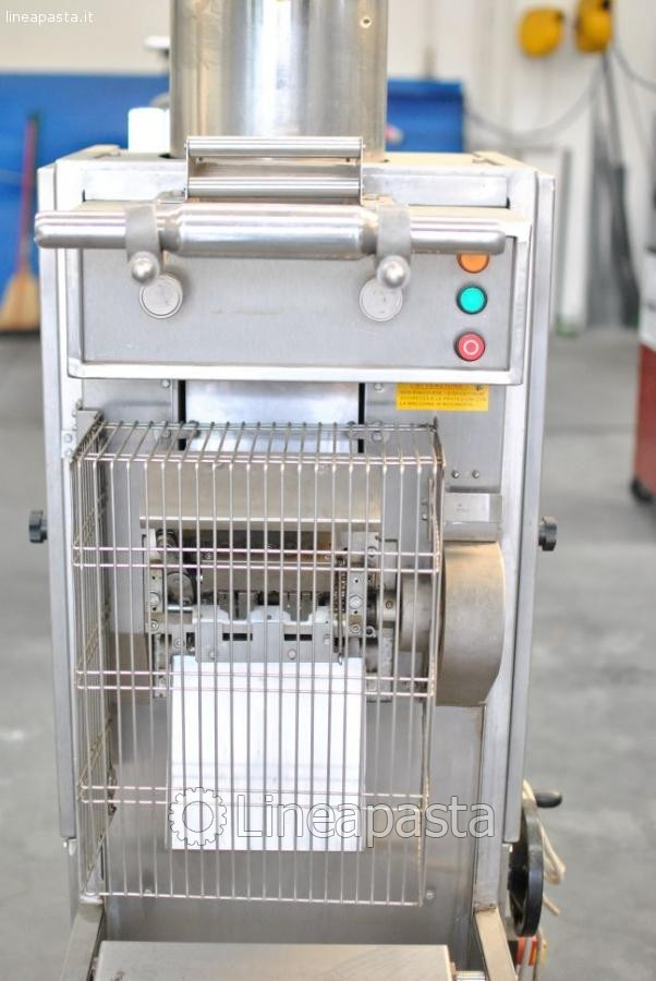 Tortellini ravioli machine Toresani MR135