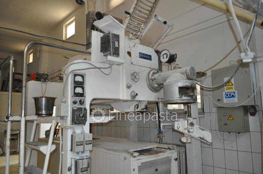 Automatic kneading machine 200 kg/h Macri - Braibanti