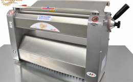 Electric fresh pasta sheeter SR with steel cylinders from 220mm to 500mm