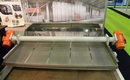 Vibrating belt conveyor from 1500 Kg/h up to 4000 Kg/h